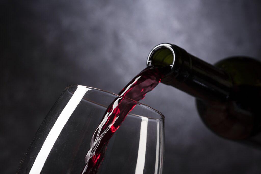 Vier het leven wijn